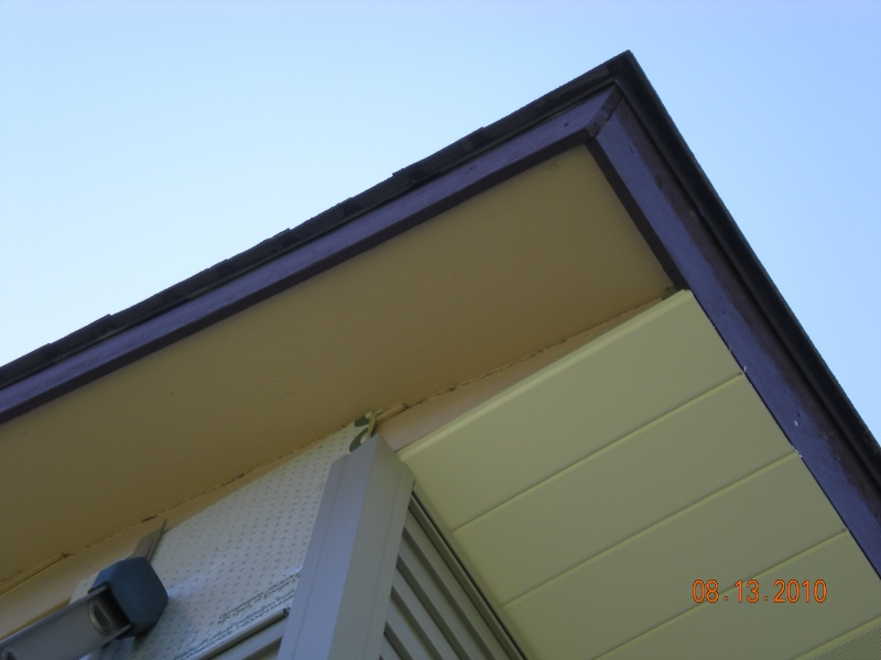 Cover old peeling painted soffit wood and create 2 tone aluminum soffit and fascia